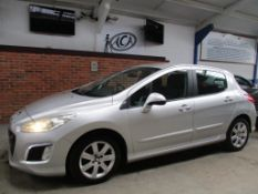 61 11 Peugeot 308 Active HDI