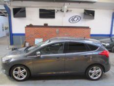 15 15 Ford Focus Zetec TDCI