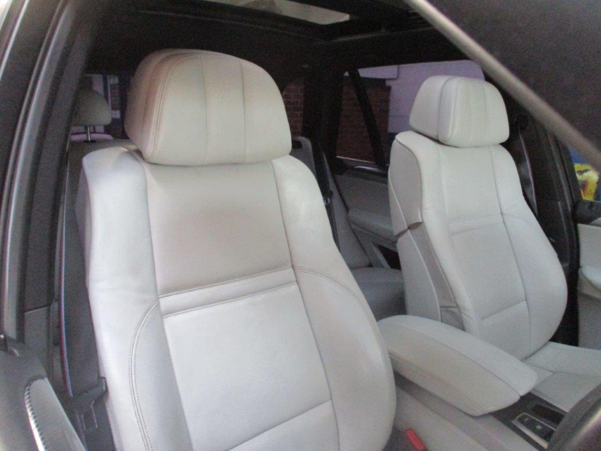 60 10 BMW X5 M Turbo Auto - Image 22 of 35