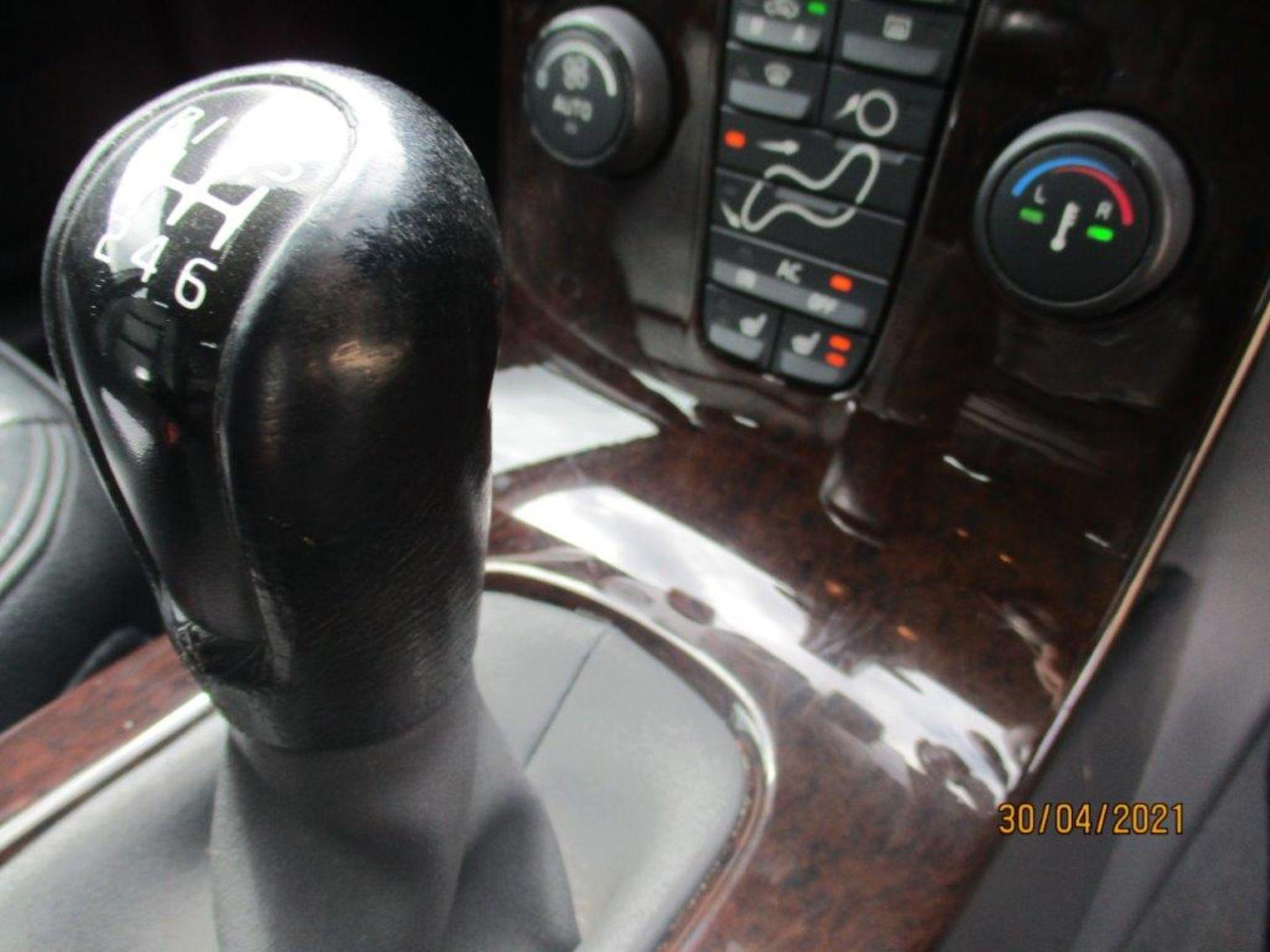 06 06 Volvo V50 SE D (E4) Est - Image 17 of 26