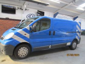 11 61 Vauxhall Vivaro 2900 CDTI LWB