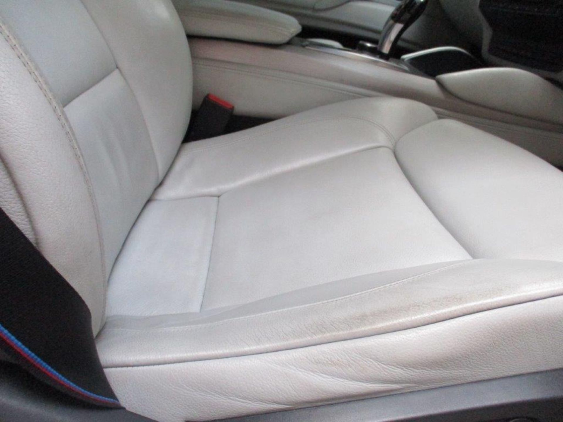 60 10 BMW X5 M Turbo Auto - Image 25 of 35