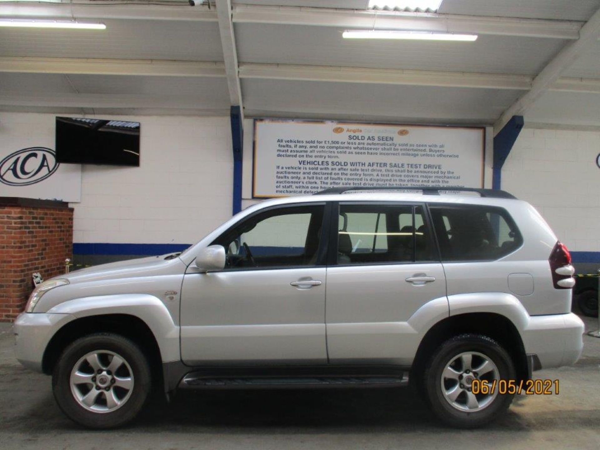 07 57 Toyota L/Cruiser LC4 D 4D - Image 2 of 32