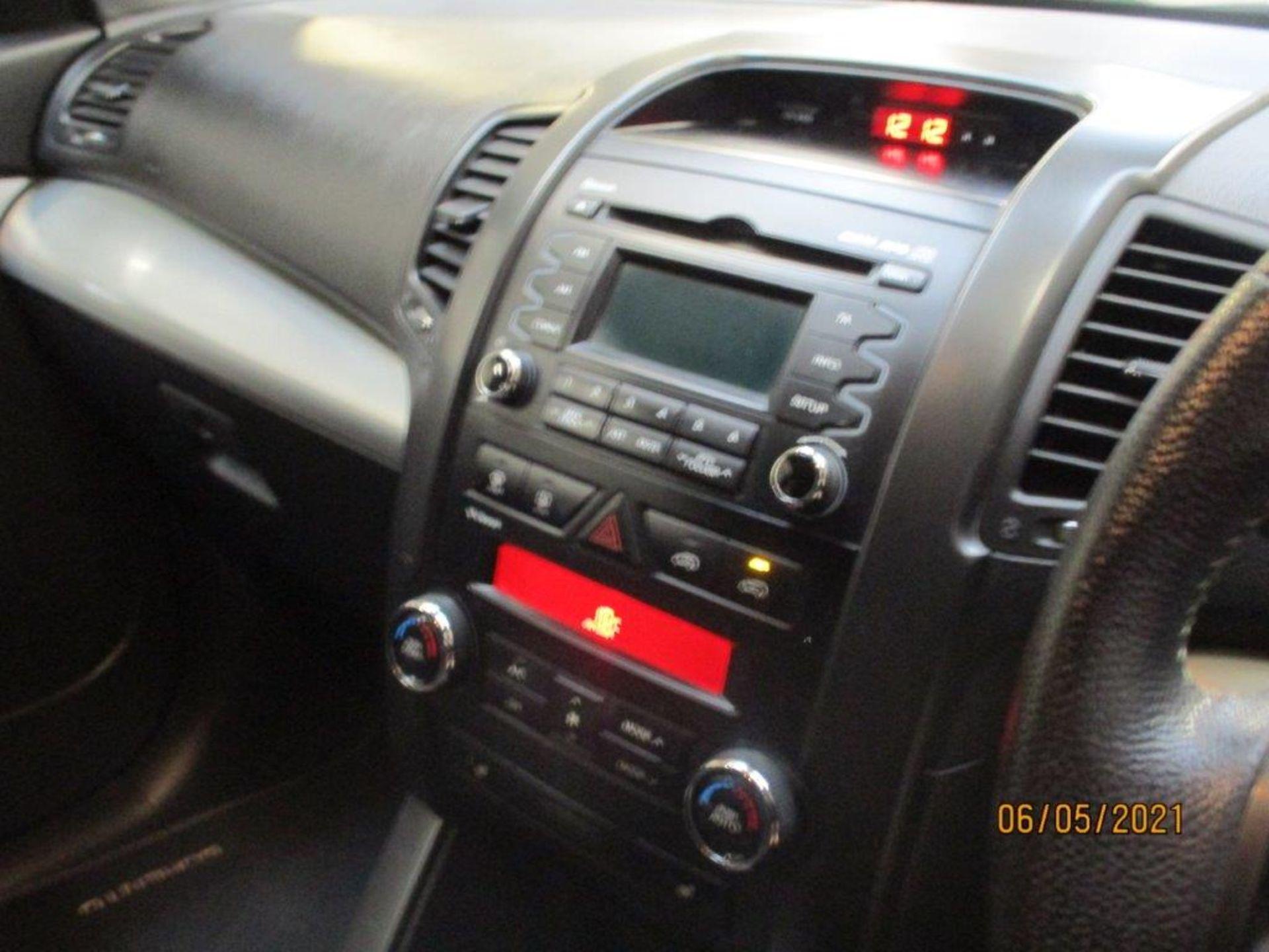 12 12 Kia Sorento KX2 CRDI Auto - Image 9 of 24