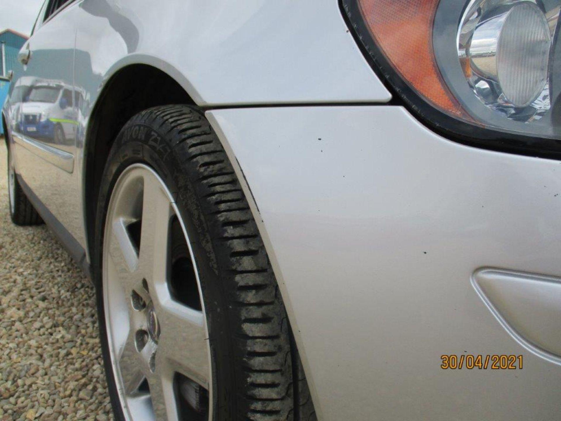 06 06 Volvo V50 SE D (E4) Est - Image 15 of 26