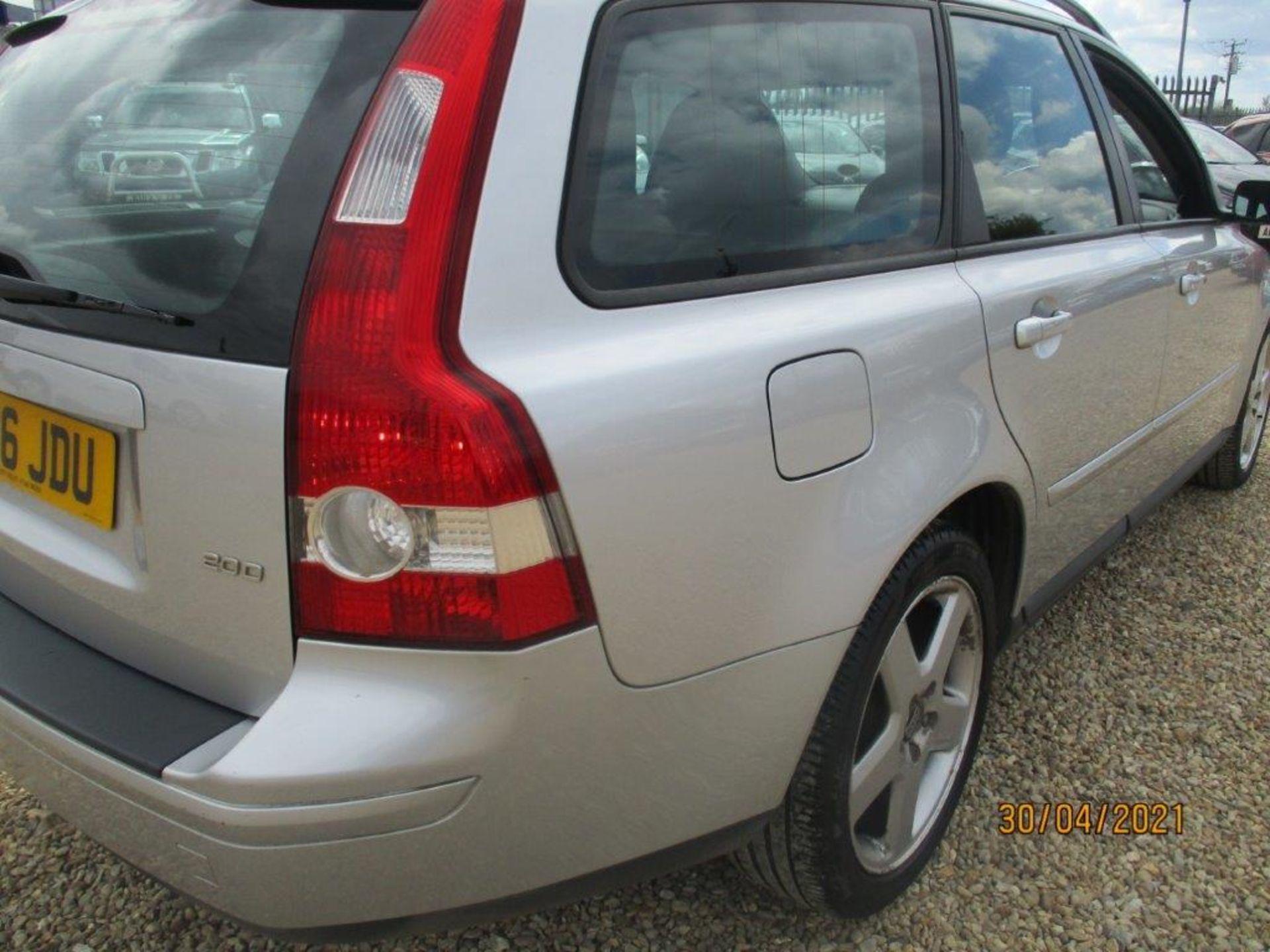 06 06 Volvo V50 SE D (E4) Est - Image 9 of 26