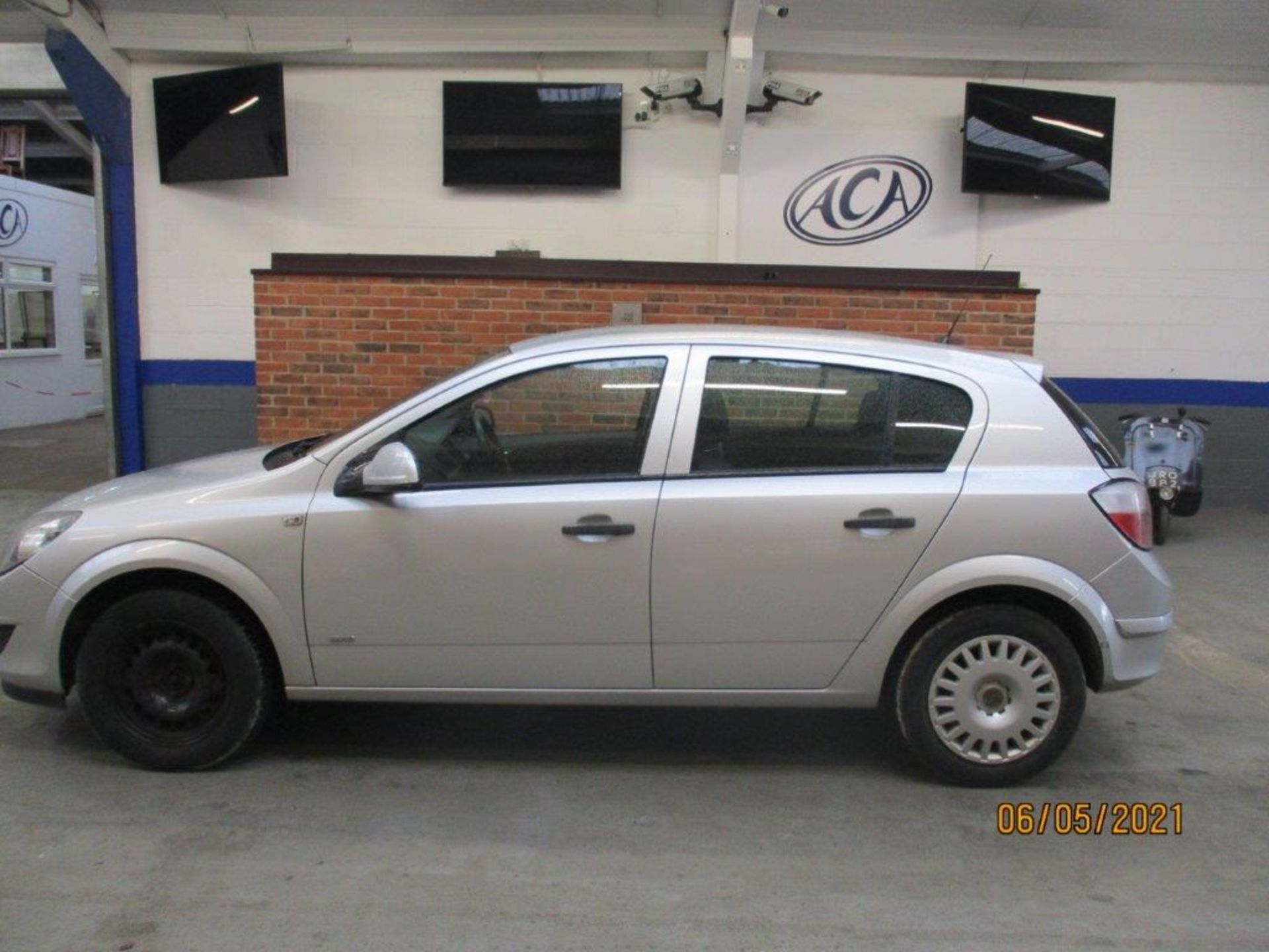 10 59 Vauxhall Astra Life - Image 2 of 14
