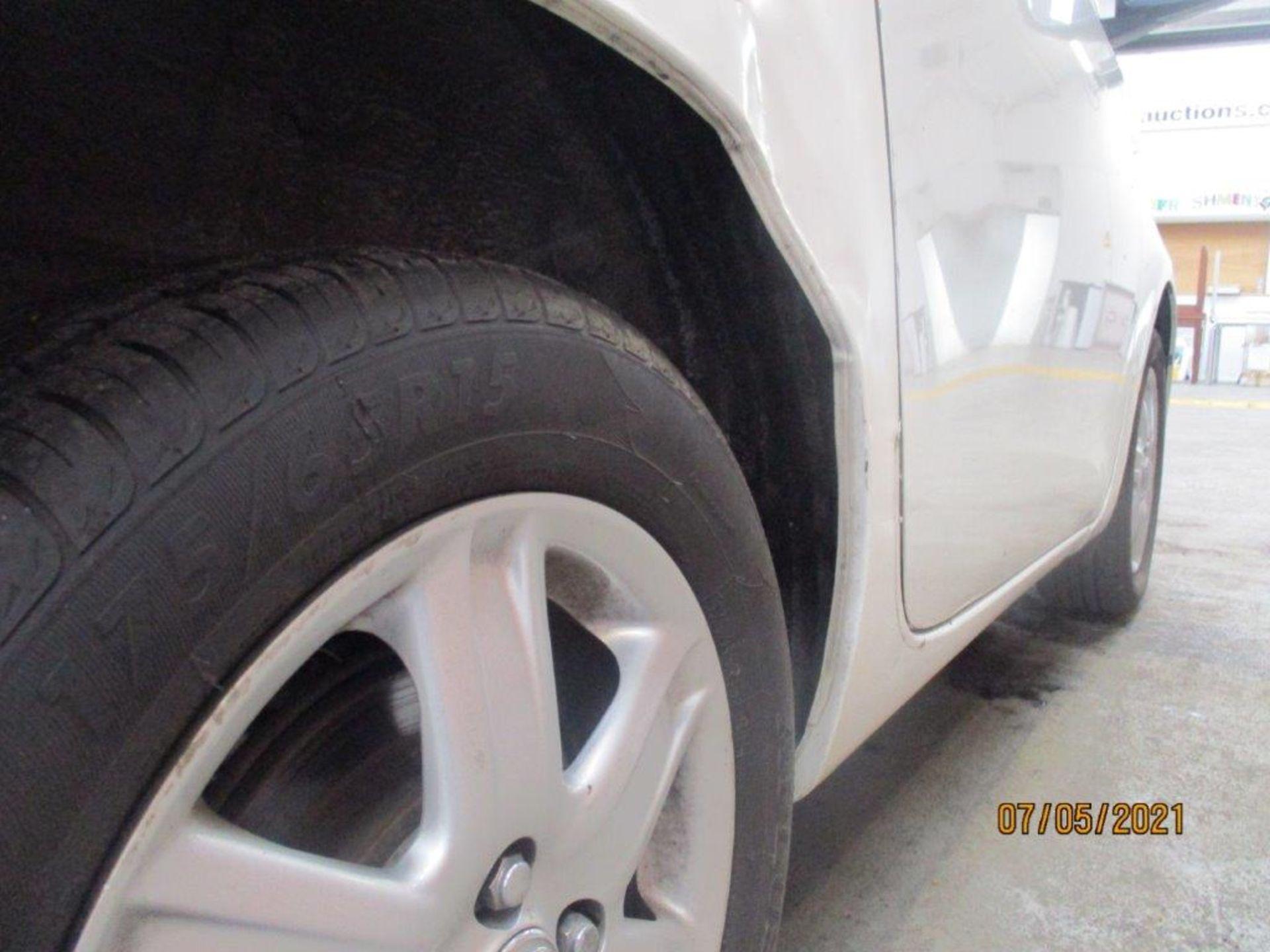 11 60 Toyota IQ VVT - Image 17 of 21