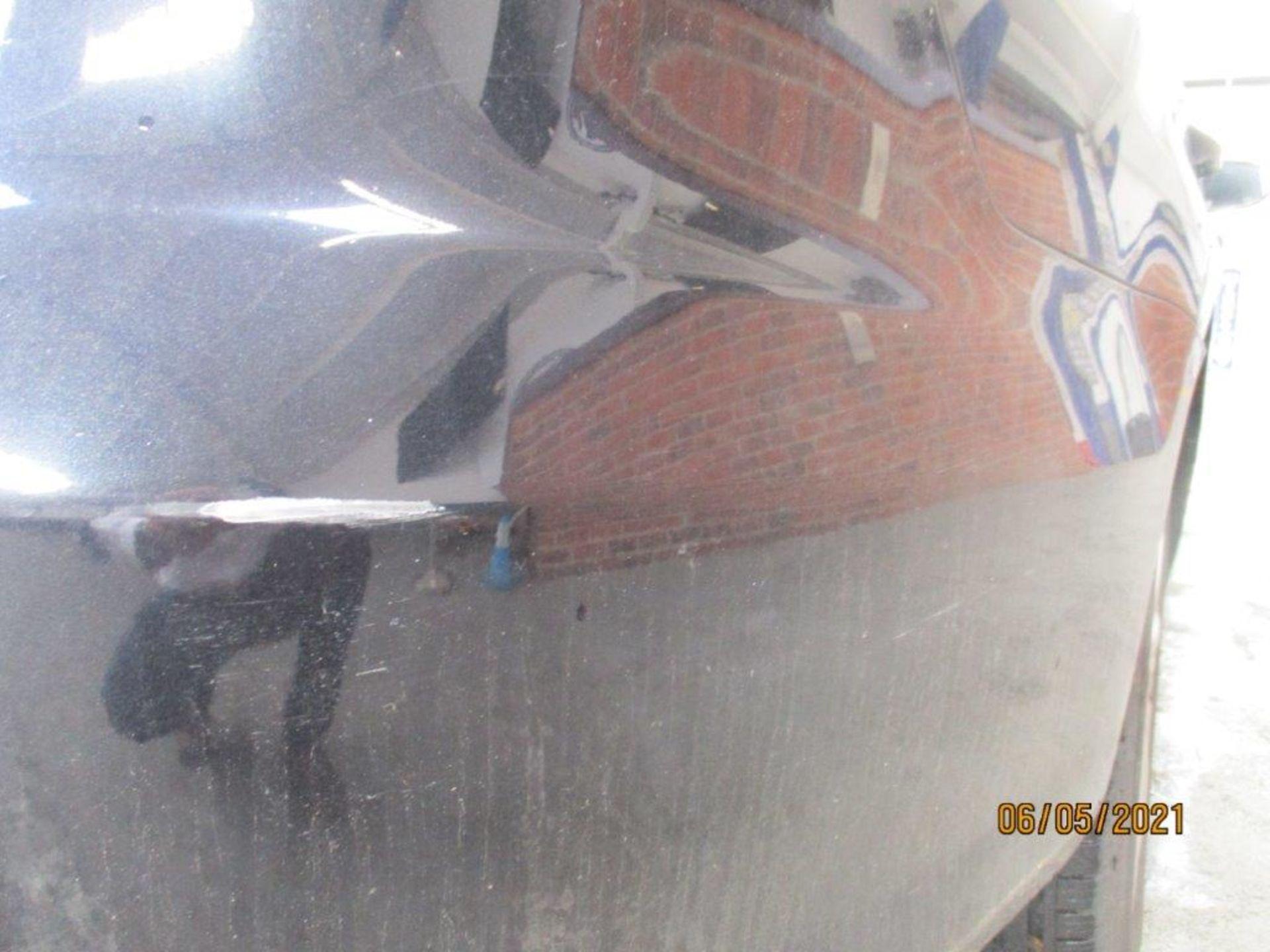 13 13 VW Passat S Bluemotion Tech - Image 19 of 29