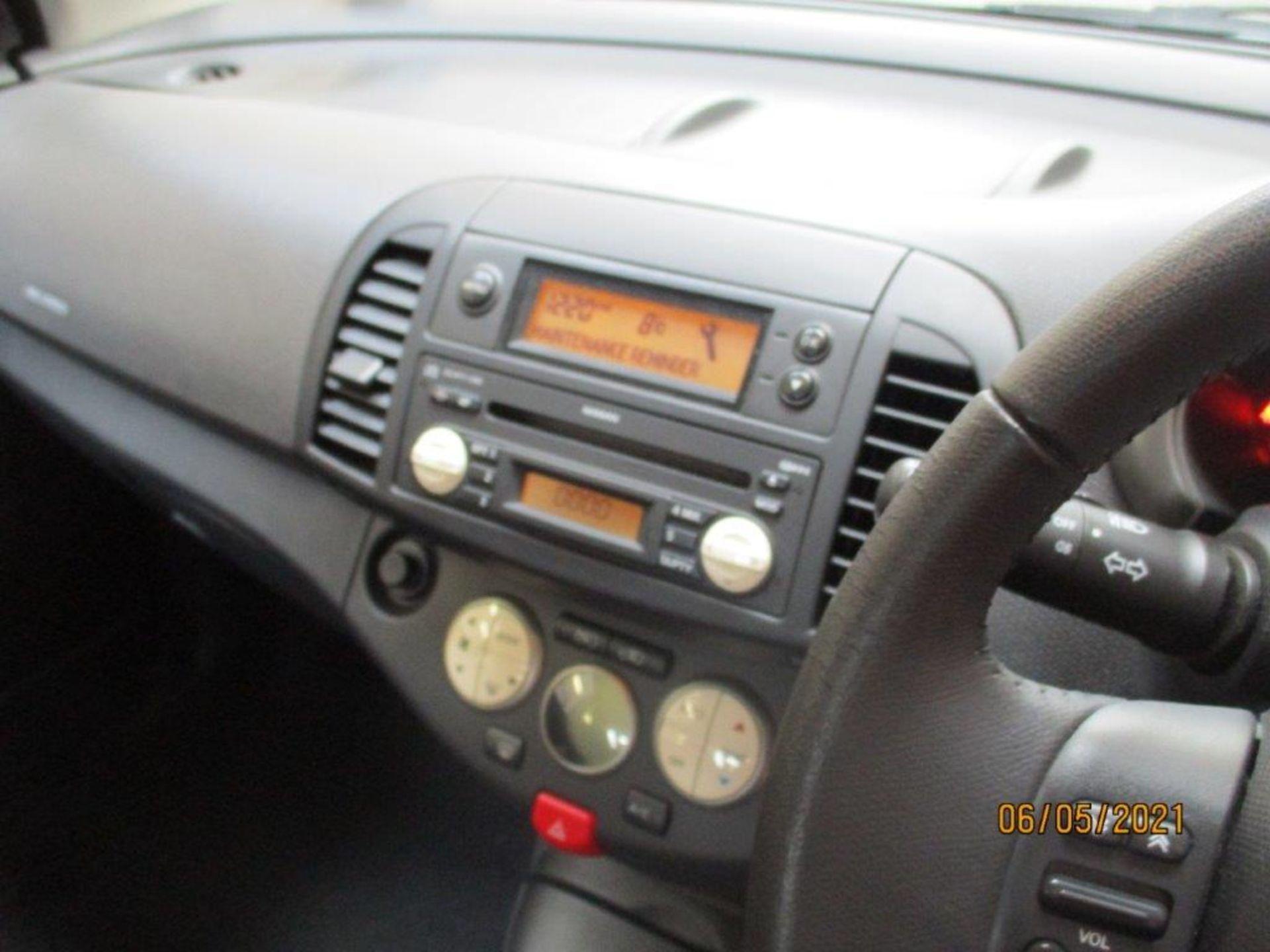 05 05 Nissan Micra SVE - Image 8 of 14