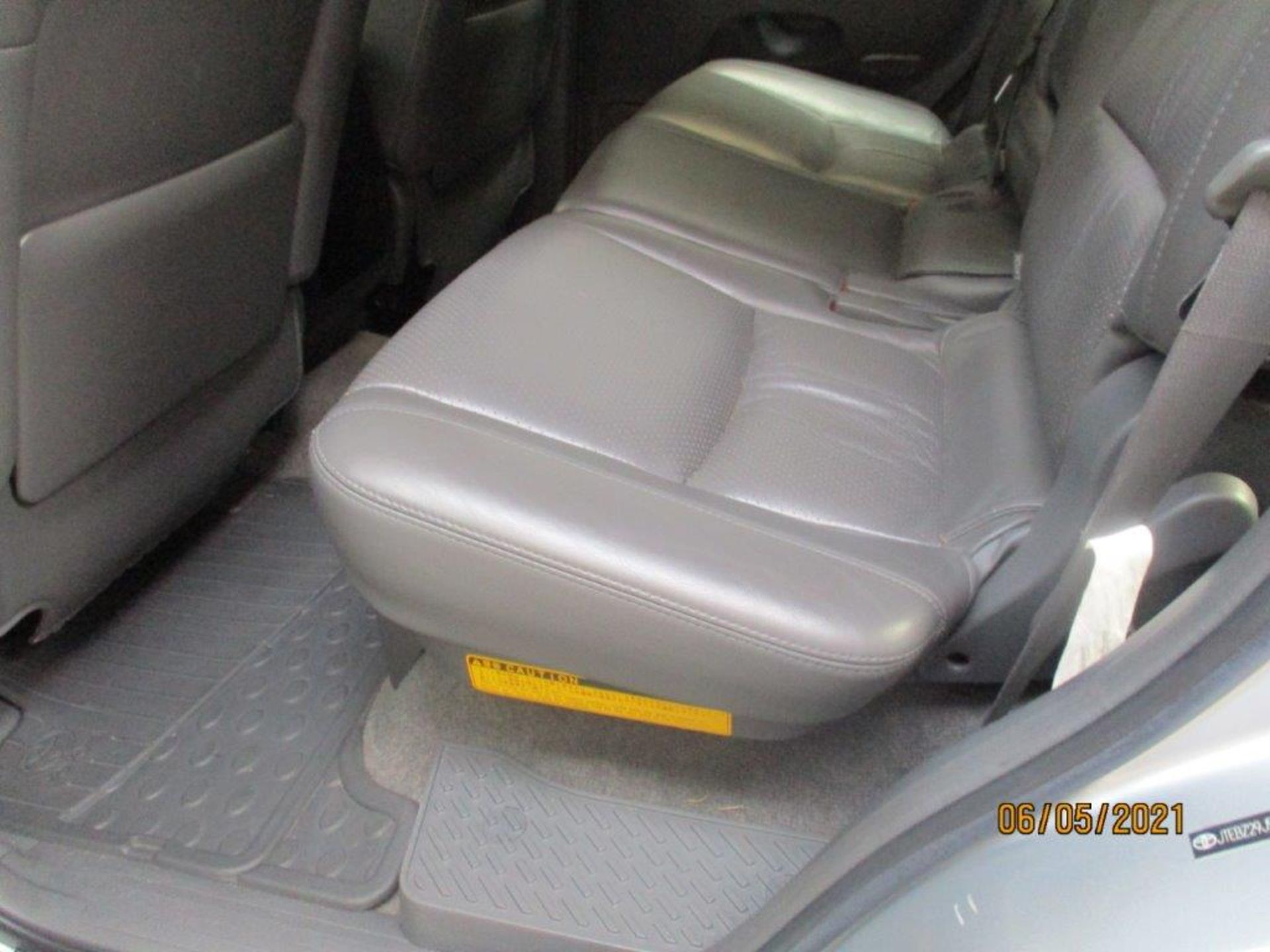 07 57 Toyota L/Cruiser LC4 D 4D - Image 15 of 32