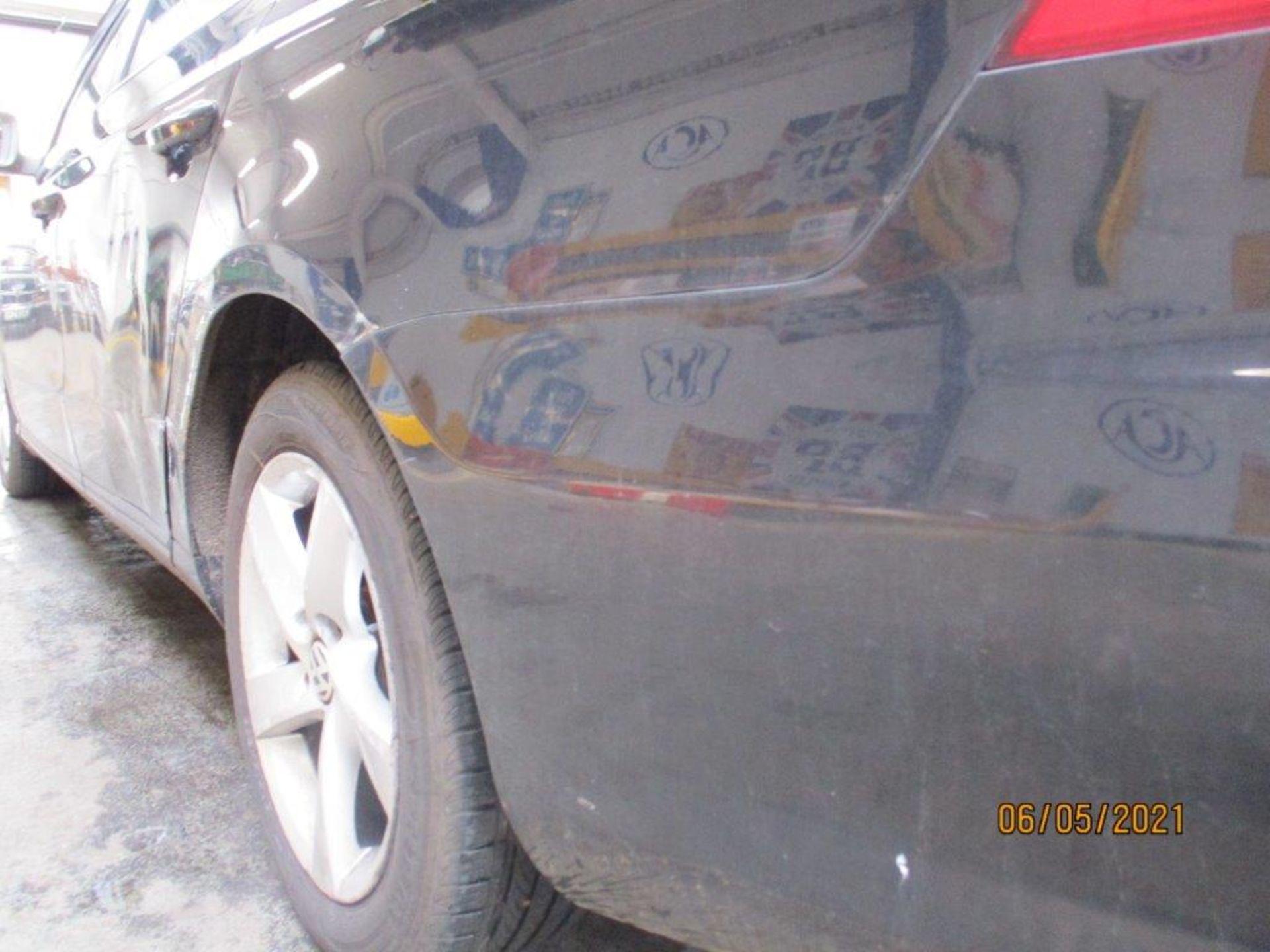13 13 VW Passat S Bluemotion Tech - Image 23 of 29