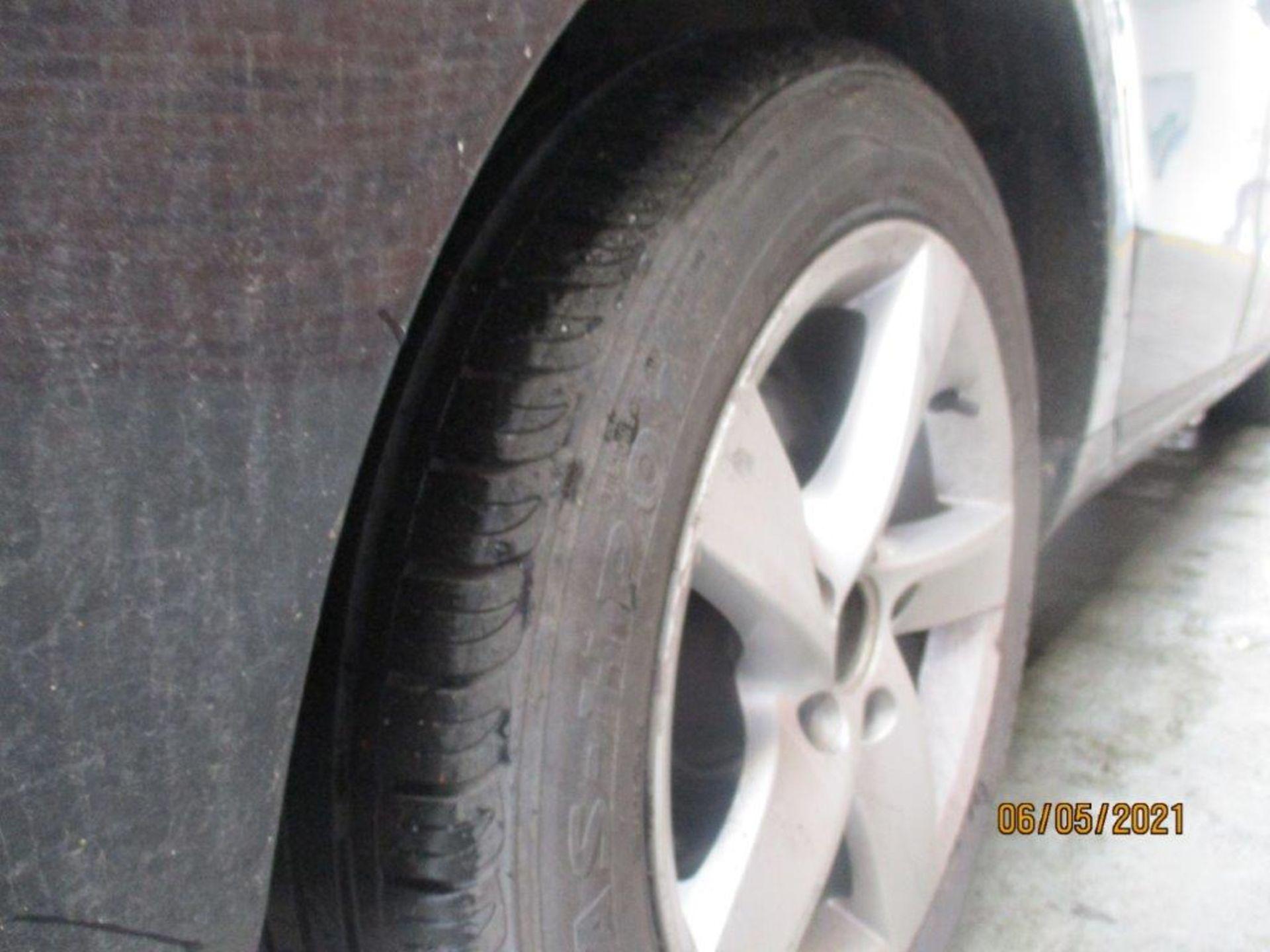 13 13 VW Passat S Bluemotion Tech - Image 18 of 29