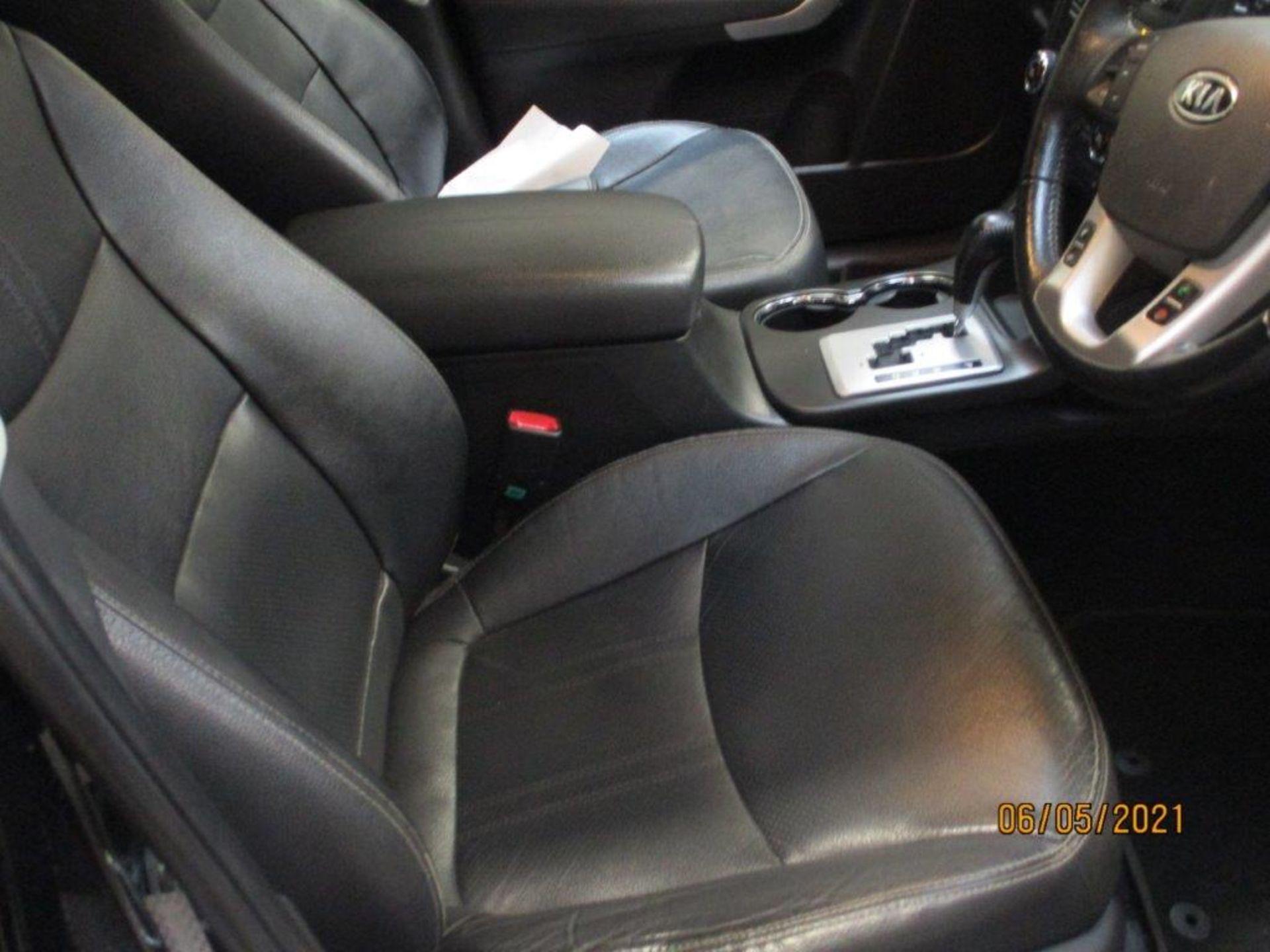 12 12 Kia Sorento KX2 CRDI Auto - Image 13 of 24
