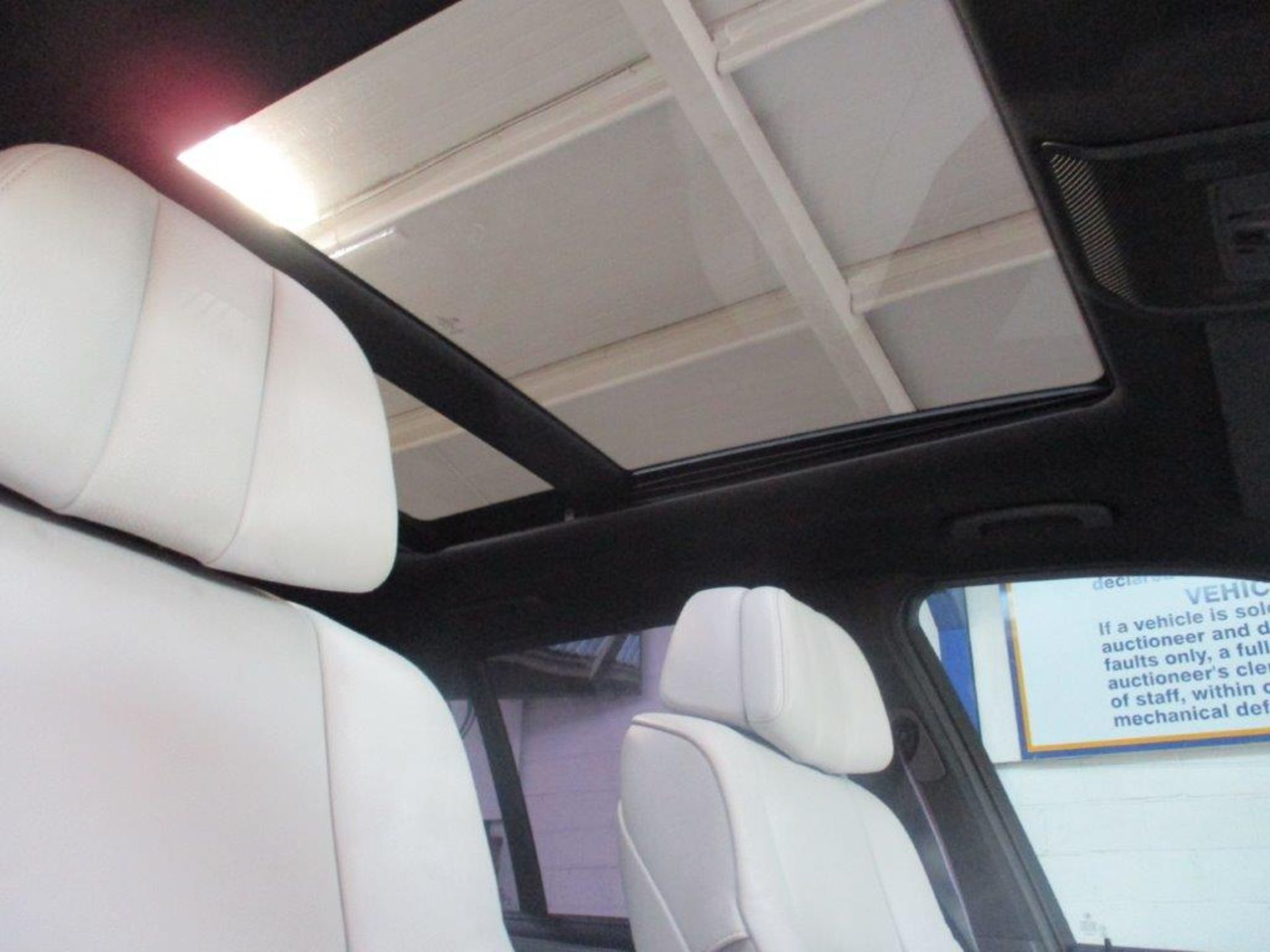 60 10 BMW X5 M Turbo Auto - Image 23 of 35