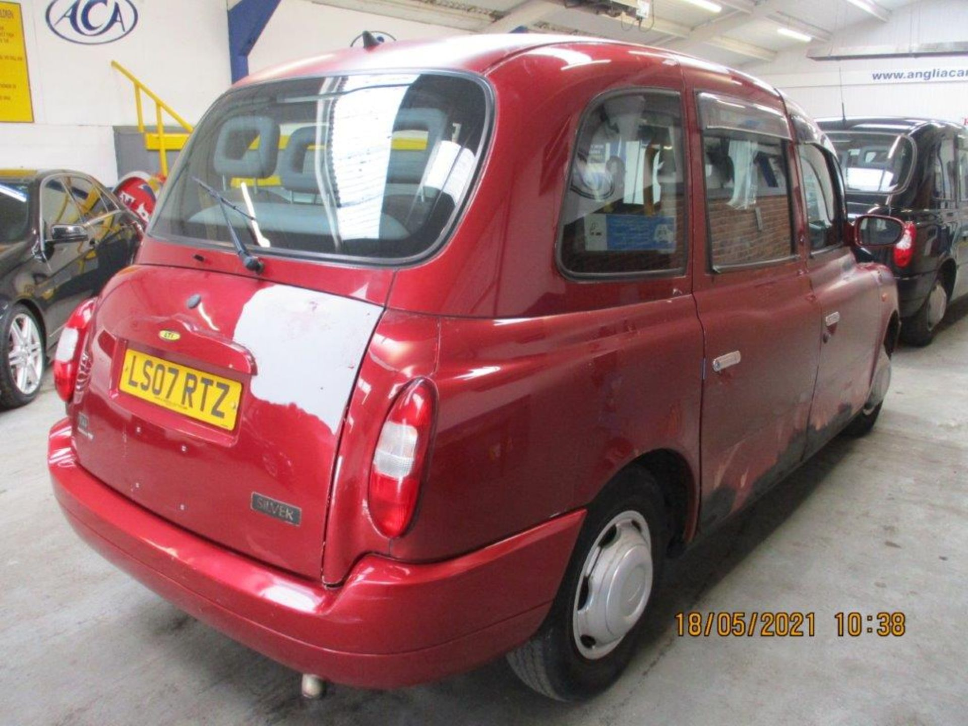 07 07 London Taxis Int TX4 Silver - Image 4 of 20