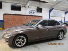 12 12 BMW 320D Luxury