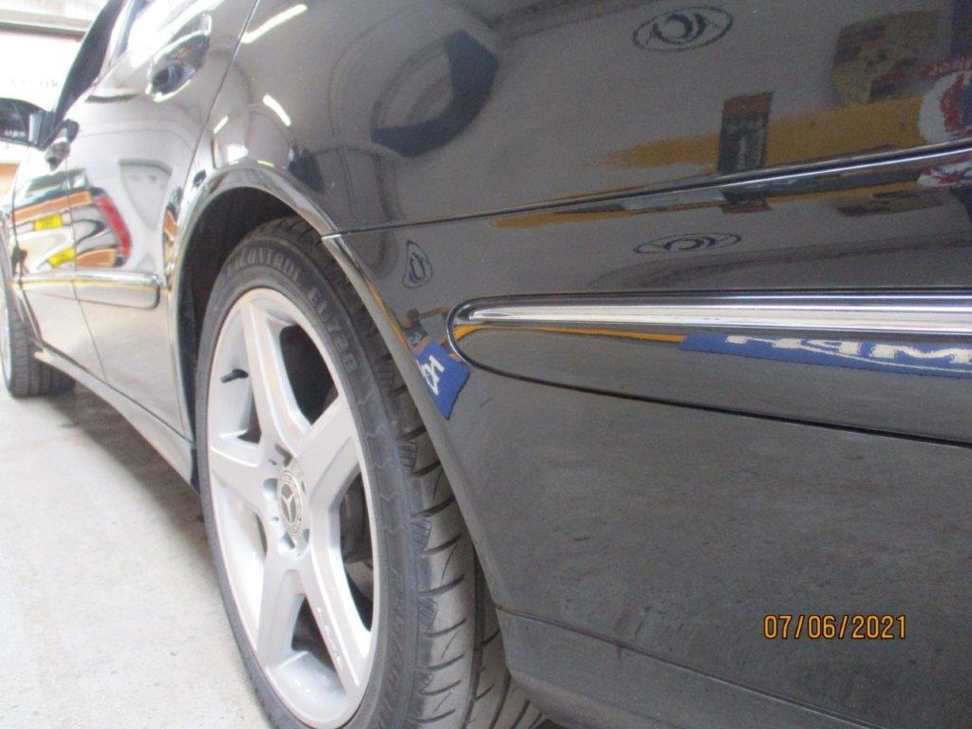 55 05 Mercedes E320 CDI Avantagarde - Image 11 of 19