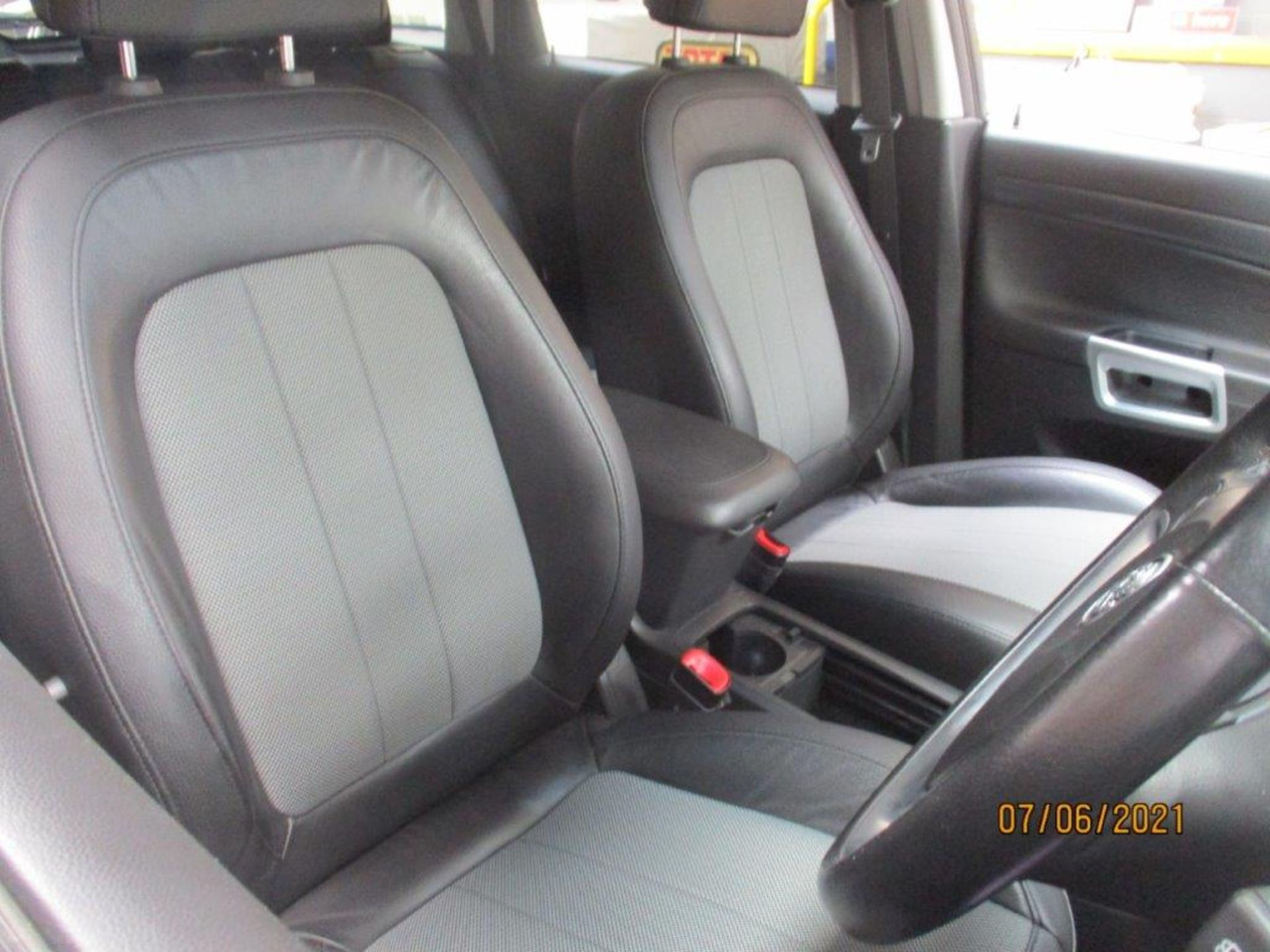12 12 Vauxhall Antara Excl CDTI - Image 15 of 18