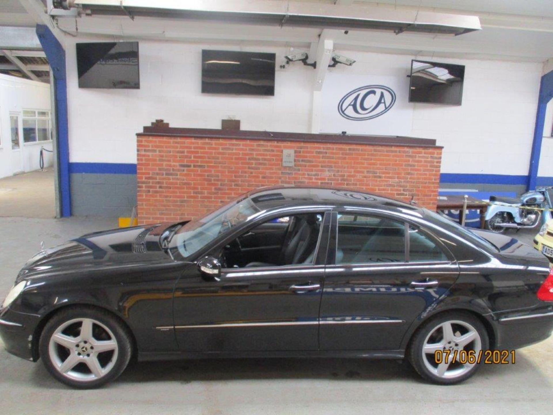 55 05 Mercedes E320 CDI Avantagarde - Image 5 of 19
