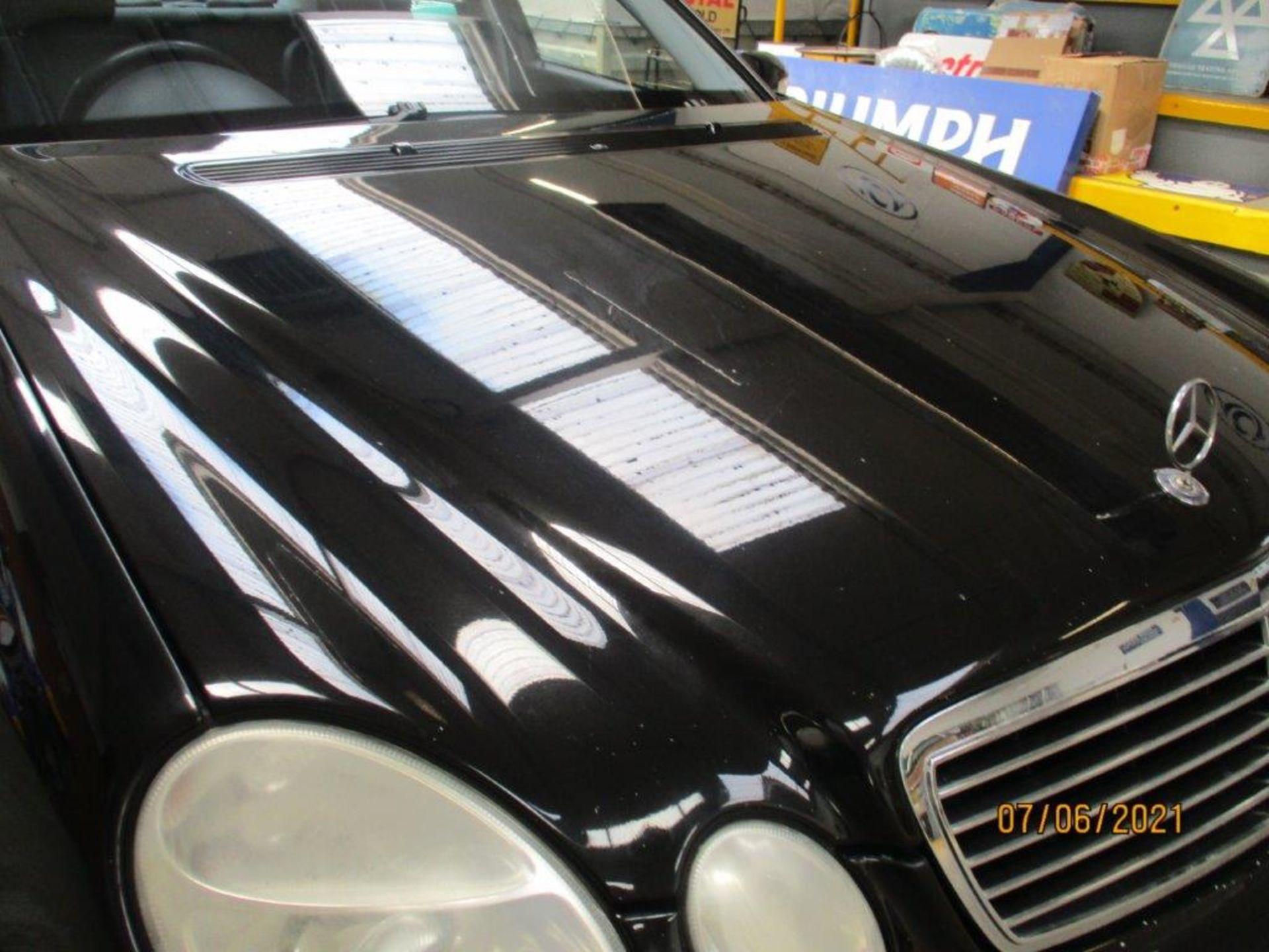 55 05 Mercedes E320 CDI Avantagarde - Image 14 of 19
