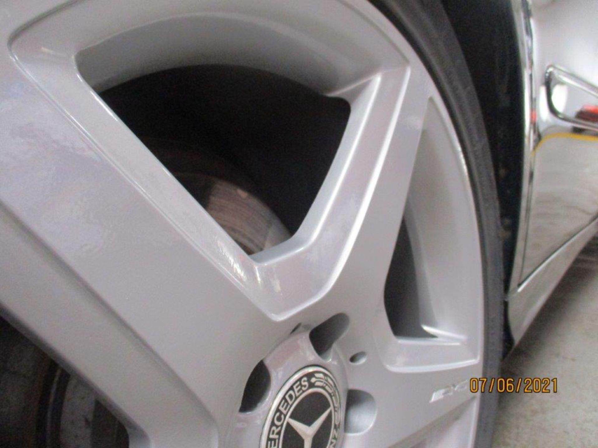 55 05 Mercedes E320 CDI Avantagarde - Image 12 of 19