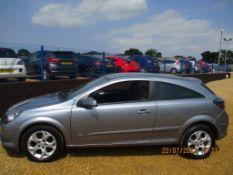 56 06 Vauxhall Astra SXi