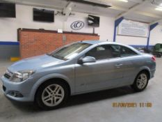 07 07 Vauxhall Astra Twin top Sport