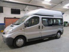 12 12 Vauxhall Vivaro 2900 CDTI