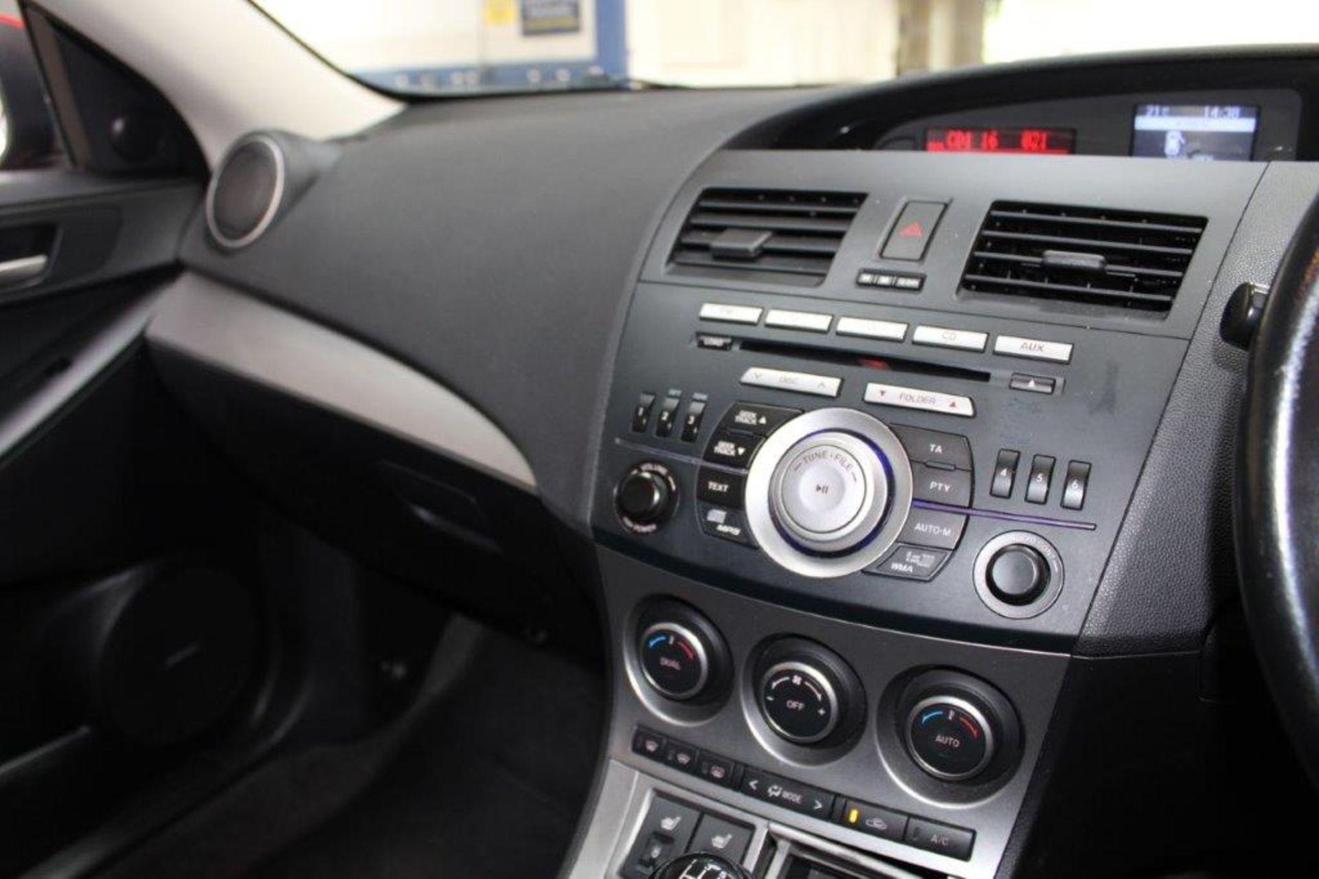 60 11 Mazda 3 Sport - Image 3 of 26