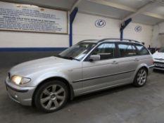 52 02 BMW 320d SE Estate