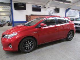 64 14 Toyota Auris Icon + VVT Hybrid
