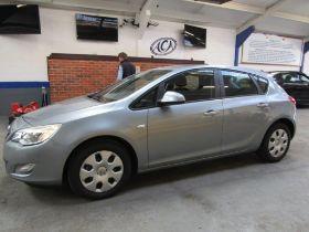 10 10 Vauxhall Astra Exclusiv 113