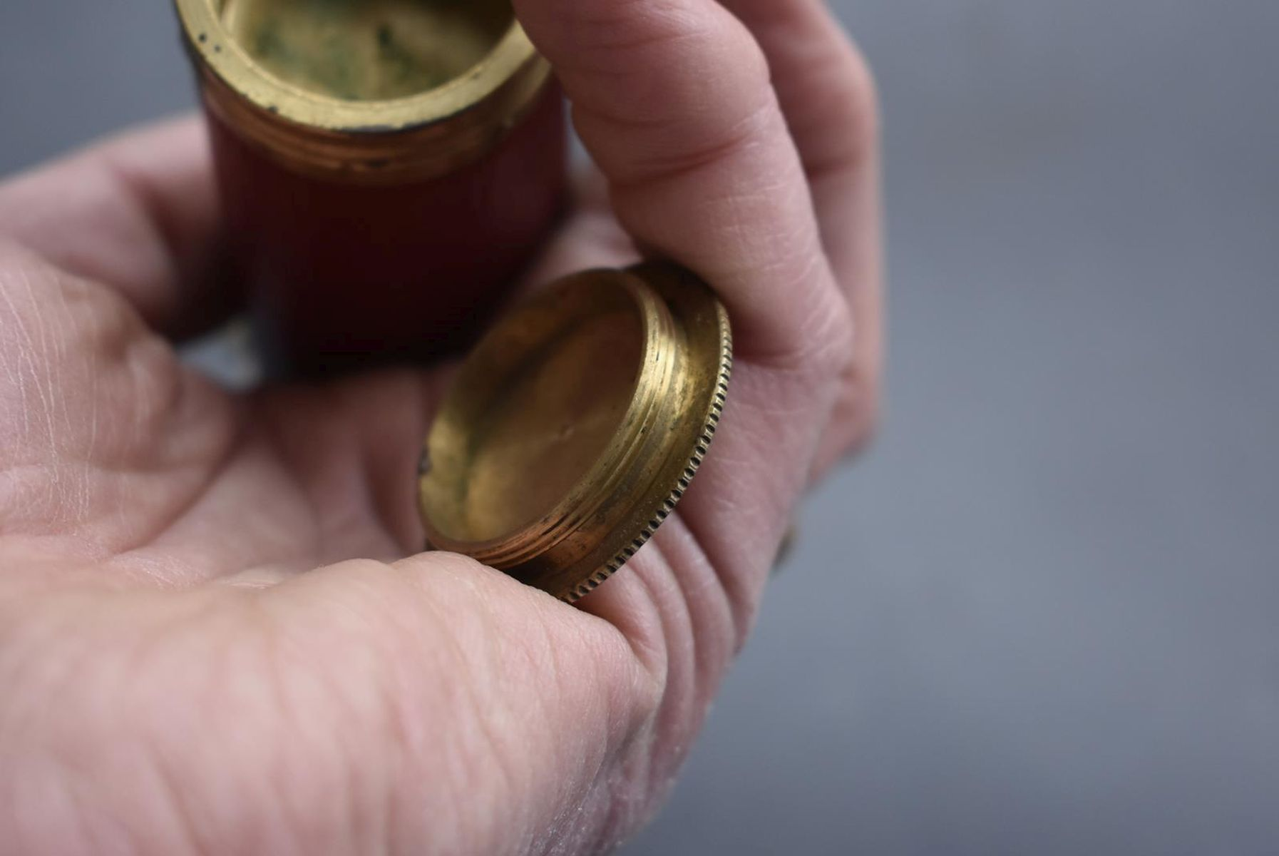 A GOOD COPY OF THREE-WAY POWDER FLASK, the brass mounted red leather wrapped tapering body with - Image 10 of 10