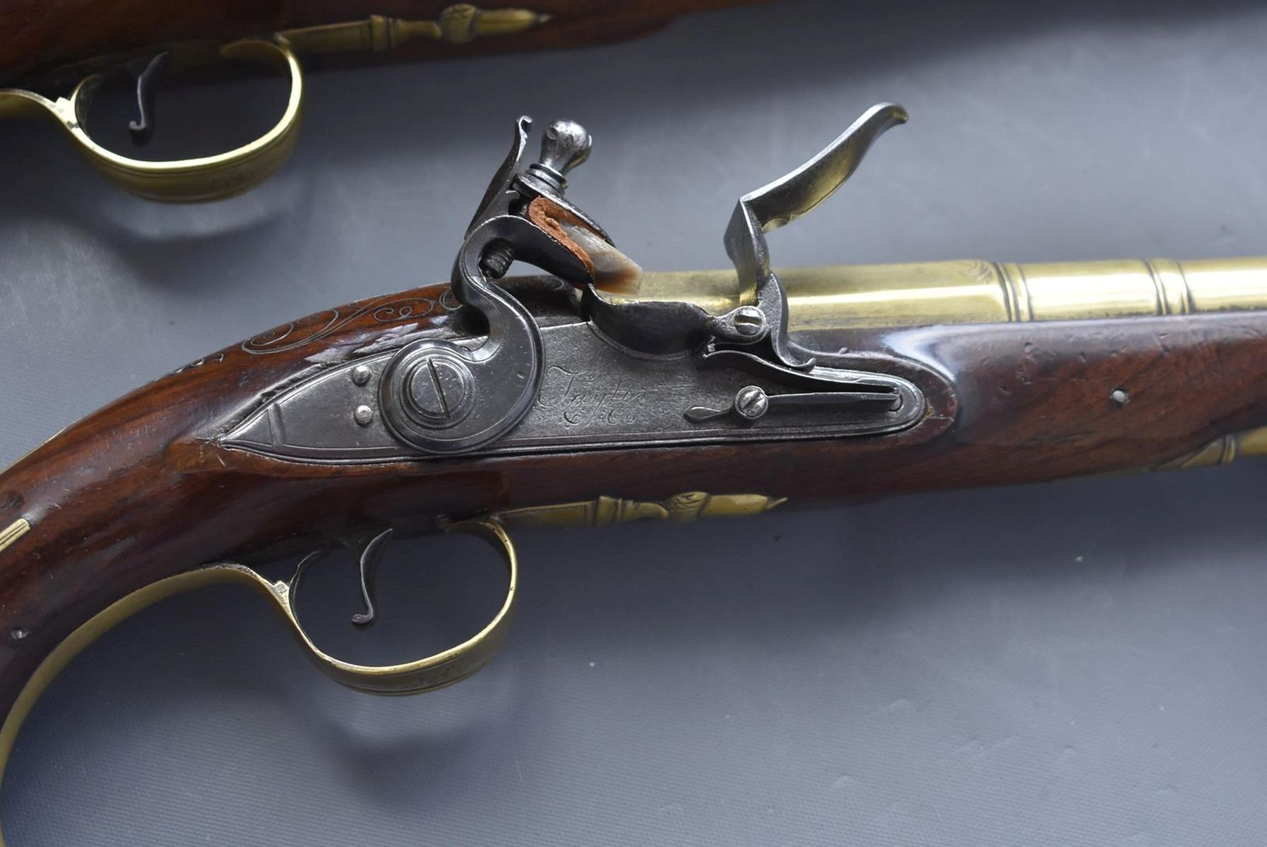 A CASED PAIR OF 6-BORE FLINTLOCK BRASS BARRELLED BLUNDERBUSS PISTOLS BY TAYLER, 9inch four stage - Image 13 of 25
