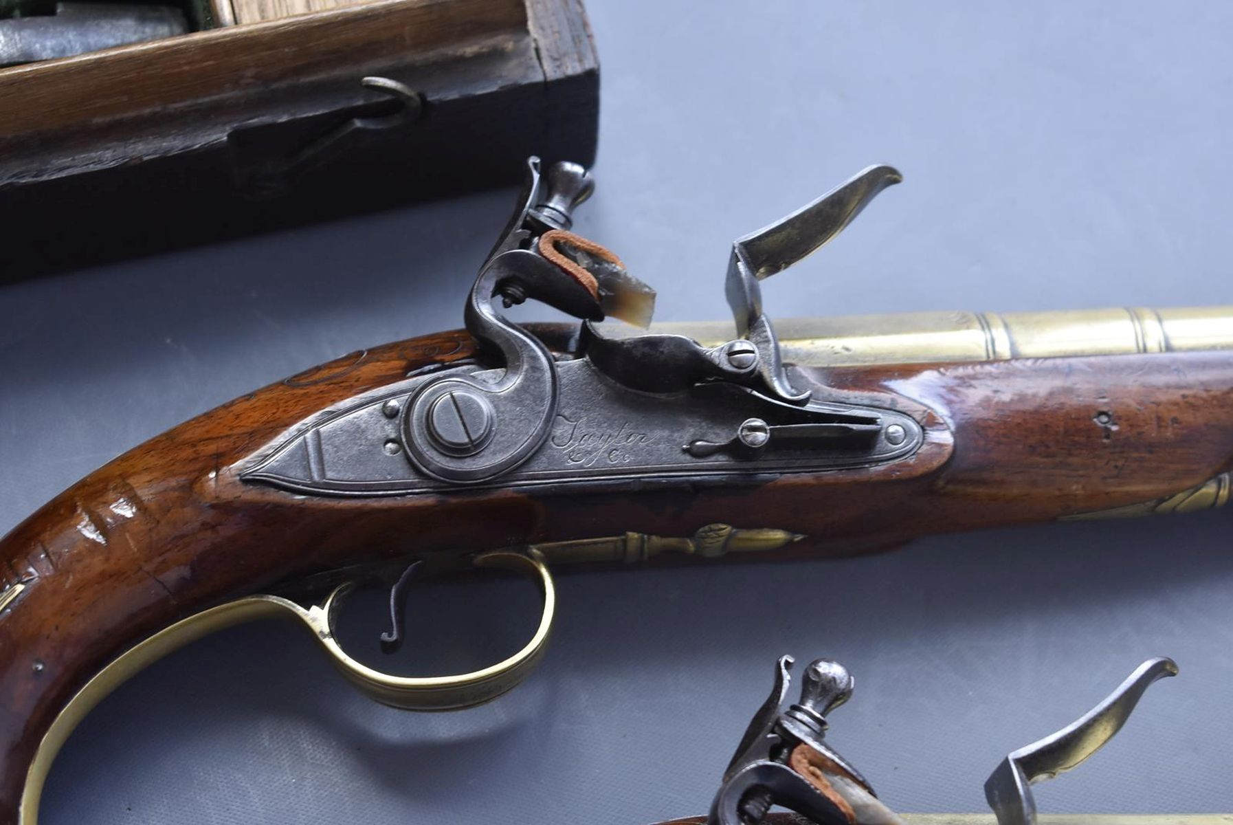 A CASED PAIR OF 6-BORE FLINTLOCK BRASS BARRELLED BLUNDERBUSS PISTOLS BY TAYLER, 9inch four stage - Image 10 of 25
