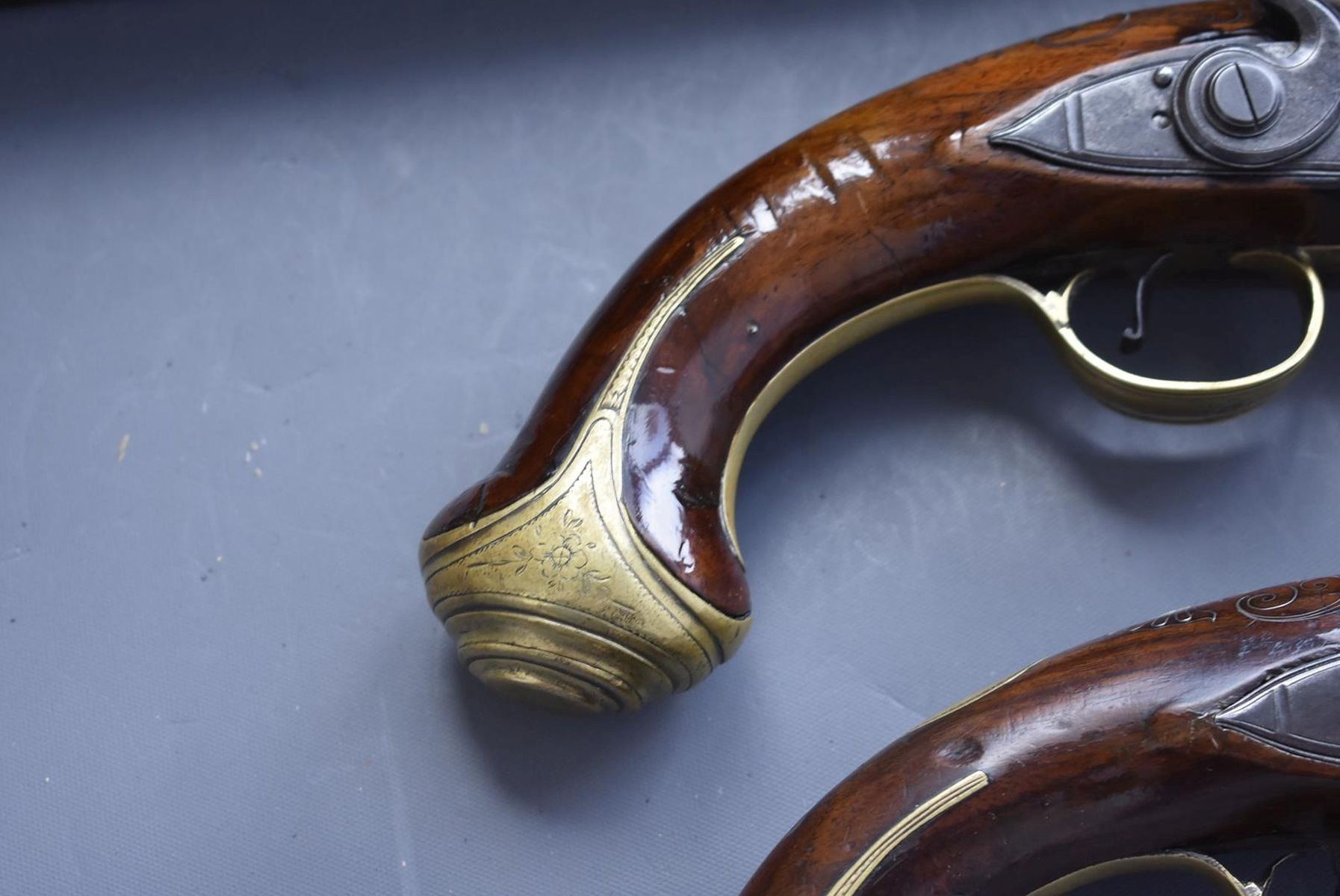 A CASED PAIR OF 6-BORE FLINTLOCK BRASS BARRELLED BLUNDERBUSS PISTOLS BY TAYLER, 9inch four stage - Image 9 of 25