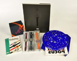 5 Swatch Uhren, Buch + diverse Werbeartikel