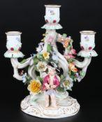 Meissen Leuchter mit zwei verkleideten Amoretten, figural candlestand,