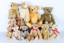 Steiff Konvolut von 13 Stofftieren / Bären, Steiff stuffed animals,