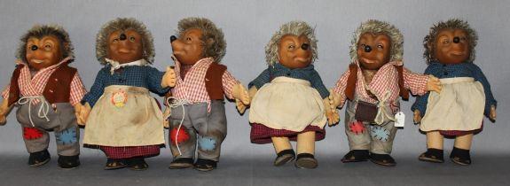 Kinderspielzeug. Steiff. Figurengruppe - drei Figuren Mecki und drei Figuren Micki. Eine Figur origi
