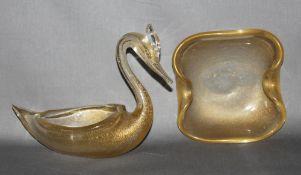 Glas. Italien. Murano. Glasskulptur - Ziervogel. Stilisierter Reiher als Schale gearbeitet. Überfang