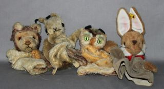 Kinderspielzeug. Steiff. Vier Handpuppen -  Hase, Eule, Löwe und Erdhörnchen. Zwei Handpuppen origin