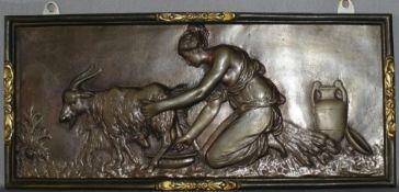 Metall. Bronzerelief. Die Ziegenmelkerin. Bronzerelief aus der 1. Hälfte des 20. Jhrdts. Bildgröße 3