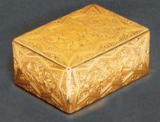 Louis XV-Tabatière Paris 1750-51 Rechteckig, mit nach oben zu öffnendem Deckel. Gelbgoldkorpus,