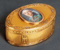 Louis XVI-Tabatière Paris, Meister Jean-Louis Désir 1775 Oval, mit nach oben zu öffnendem Deckel.