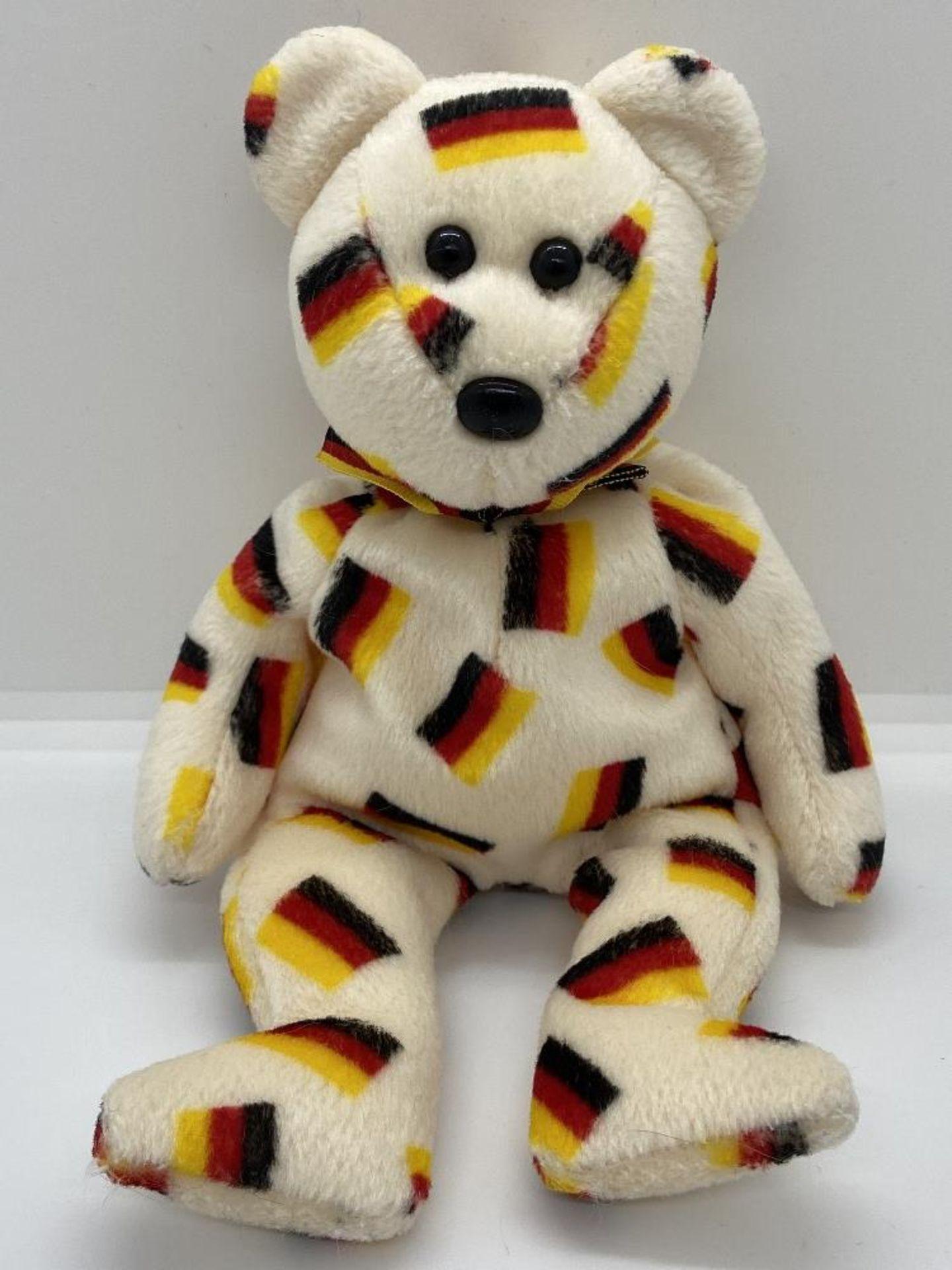 Ty Beanie Babies Deutschland, Germany Flag Bear, 2003 PE Pellets, w/o Hang Tags