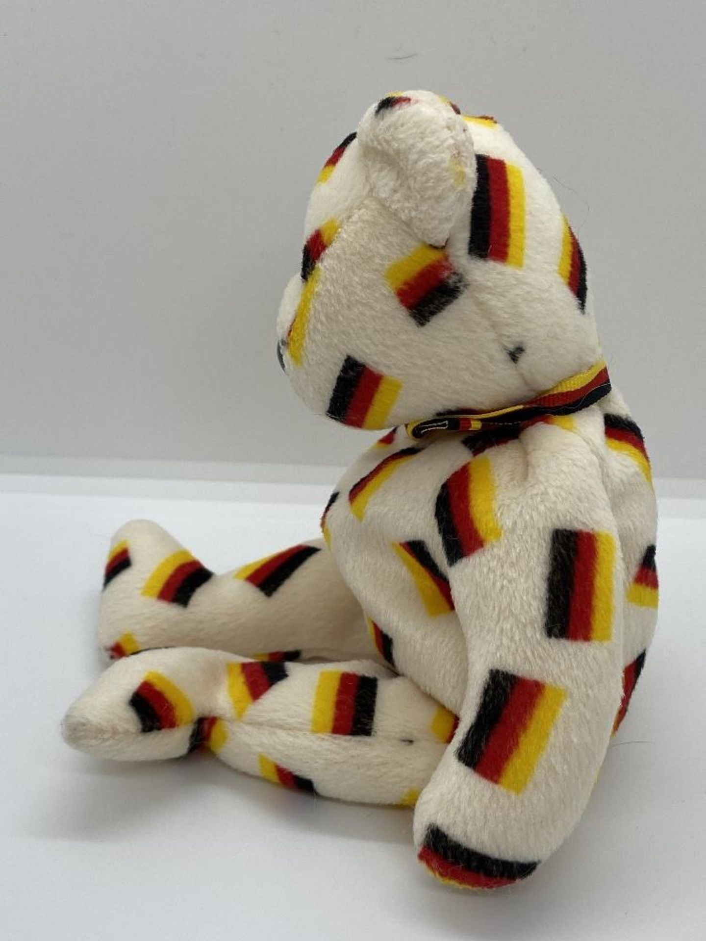 Ty Beanie Babies Deutschland, Germany Flag Bear, 2003 PE Pellets, w/o Hang Tags - Image 4 of 6