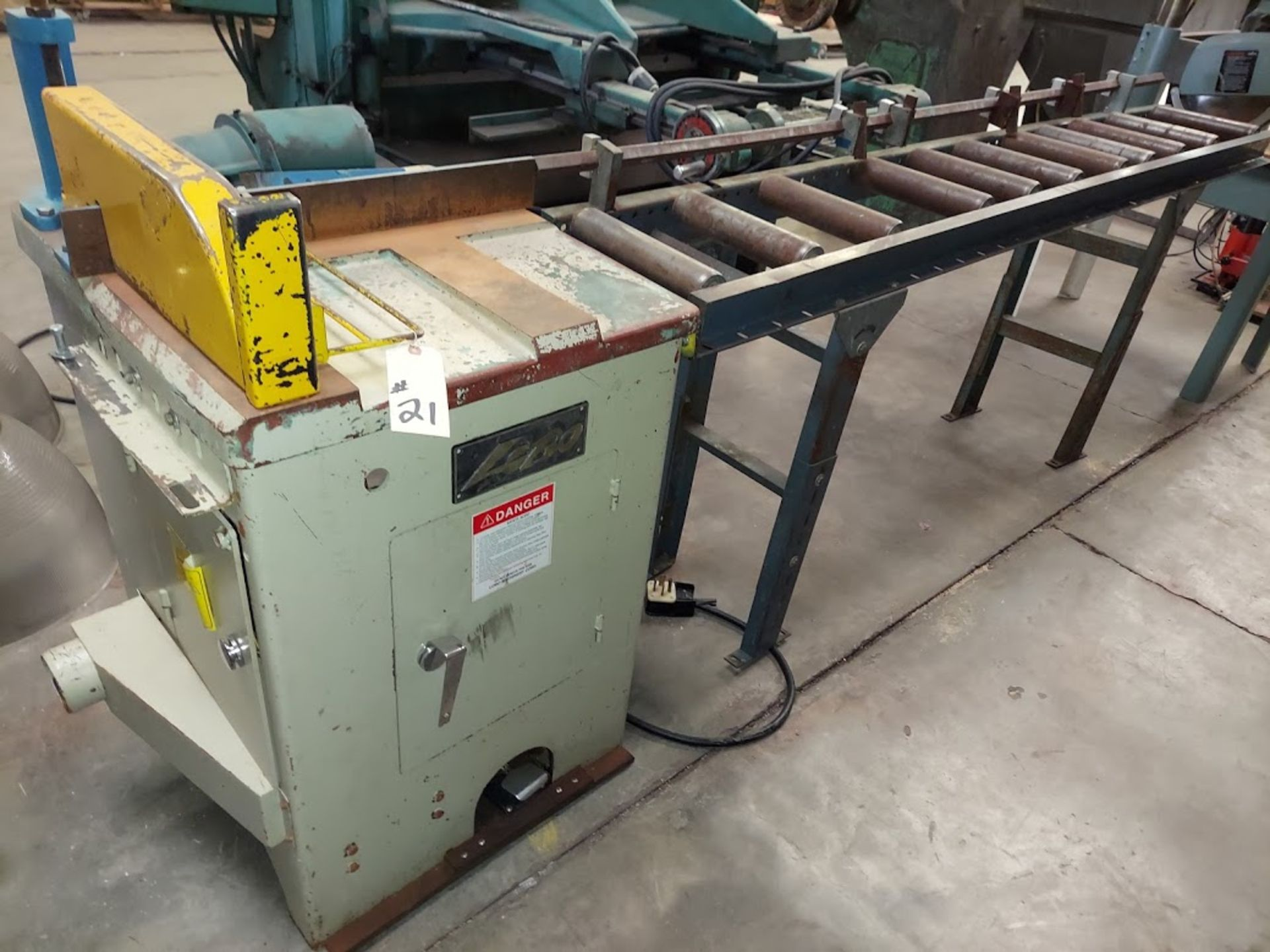 """Lobo 18"""" Upcut Saw, Model # CS-18L, 10 HP 230 Volts 3 Phase, Pneumatic, Roller Out Feed Table with"""