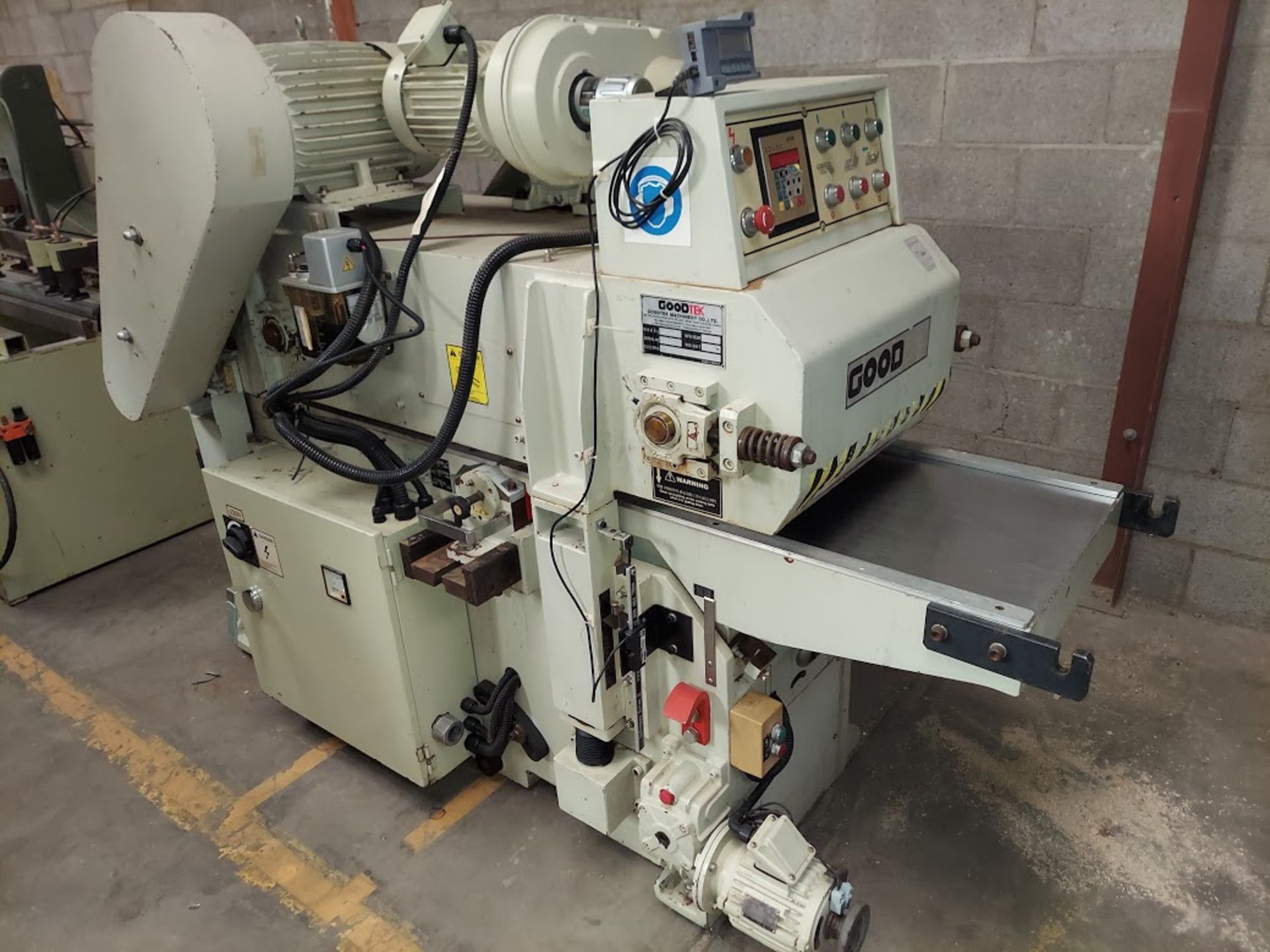 "Good Tek GT-400B Two Sided Planer, Top & Bottom 16"" Spiral Cutterheads, 10 Hp 230/460 Volts Top"